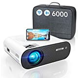 Proyector WiFi Bluetooth, 6000LM WiMiUS Proyector Portátil WiFi Bluetooth Full HD Soporte 1080P Mini Proyector WiFi Proyector LED Cine En Casa Función Zoom Para iPhone/Android/TV Stick/PS5 HDMI USB AV
